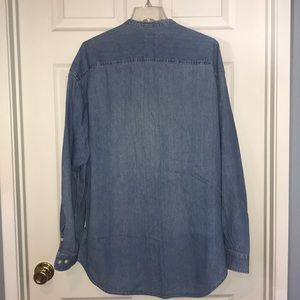 Old Navy Shirts - Old Navy chambray button down shirt
